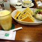 kafeeikokuya - ミックスジュースwithクラブハウスサンド&ミルクティー