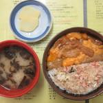 きくよ食堂 - 海鮮丼(二種)うに・かに丼 2200円(税別)