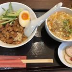 台湾MACHI - 滷肉(ルーロー)飯+酸辣湯麺(小)のセット750円