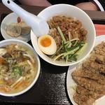台湾MACHI - ランチ友の排骨飯定食 980円