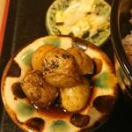 ごはんとてんぷら  ひねもすのたり - じゃがいもの炒め煮と自家製白菜の漬物