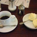 1027083 - 定食にセットのデザートとコーヒー