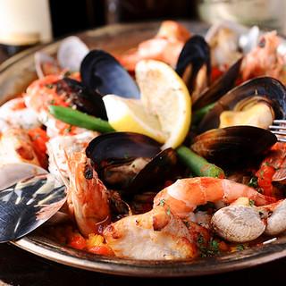 絶品パエリアは3種類◎本格的スペイン料理を堪能♪