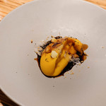 ペペロッソ - かぼちゃのムース、豚肉の背脂、バルサミコの原型となる酢から作ったソース