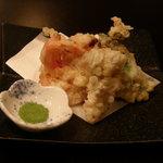 みずのや - これまた、牡蠣の天ぷら、トマトとの相性が何んとも言えない味を醸し出していました