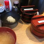 天ぷら さいとう 博多 - 漬物とイカの塩辛は食べ放題!
