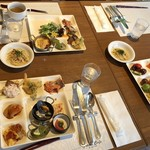 グランカフェ - ◆4名での利用ですがお一人後で来られましたので、3人それぞれのお料理写真。