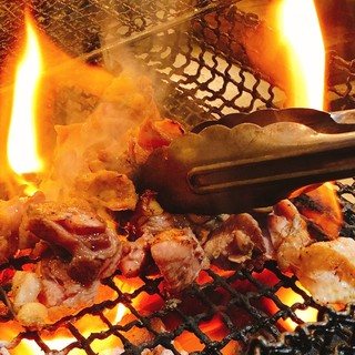 郷土料理の定番!霧島赤鶏の炭火焼