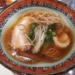 麺屋 たくみ - 特製しょうゆラーメン 750円