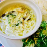 マンゴツリーカフェ - 海老のグリーンミルクカレー