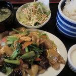 中国面点研究所 紫禁城 - 野菜豚肉玉子炒めランチ:680円