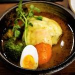らっきょ&Star - ゴーダチーズと手ごねハンバーグのスープカレー  1,500円