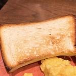 102750596 - 銀座の食パン~香~