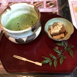 一休 - 抹茶+和菓子(わらび餅)