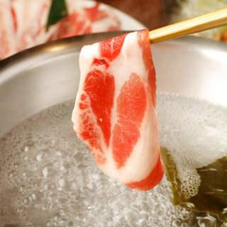 出汁が薫る、スペイン産のイベリコ豚しゃぶしゃぶ。