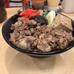 肉のヤマキ商店 - 牛すき焼き丼