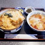 102766936 - カツ丼きしめんセット