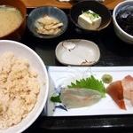 魚日和 - 鯛めし定食800円です。