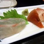 魚日和 - 鯛めし定食の刺身の部分です。