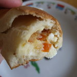 福ベーグル - オレンジクリームチーズ断面