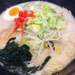 ラーメンニューとん太 - 料理写真:肉野菜とんこつ