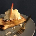 カフェバール かわはら - 季節のフルーツトースト
