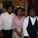 南印度ダイニング - 店長(ダス)とそのファミリーです。よろしくお願い致します。