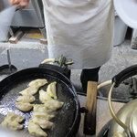餃子荘 ムロ -