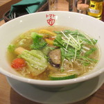 トマトの花 - 10種野菜の塩スープ麺