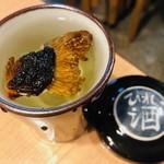 魚の四文屋 - ふぐヒレ酒(550円)