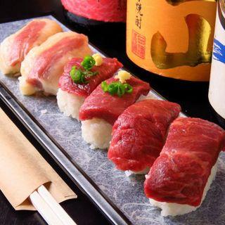 熊本直送の新鮮な「馬刺し」*食べ応えのある「肉寿司」は一押し