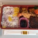 お惣菜のまつおか - 名古屋うまいもの弁当1080円です