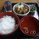 赤坂あべちゃん - もつ煮定食 600円