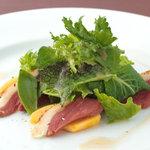 アンサンブル - 鴨胸肉の生ハムサラダ
