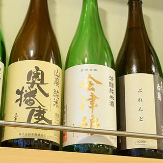 美味しいお酒を各種ご用意し、日本酒は純米酒にこだわりを。