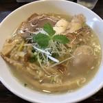 こむぎ - 料理写真:塩 味玉中華そば 950円