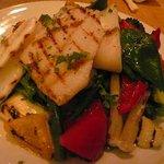 びすとろジョバン - 北海道産モンゴウイカと野菜のグリルのサラダ