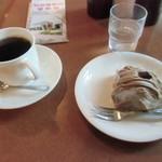 カフェ ヴァーチュ - コーヒーは量が多めで口当たり良いです