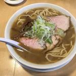 102858777 - 濃い中華そば(600円)