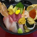 海陽亭 - 特選海鮮丼2160円