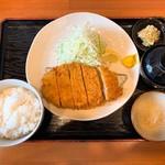 とん季 - 料理写真:特ロースかつ定食