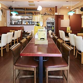 お食事やご宴会を、広々空間でゆったりお過ごしください。貸切◎