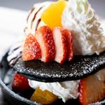 ディテール特製 ブラックフルーツパンケーキ