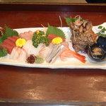 びっくり寿司 - 刺身盛り合わせ
