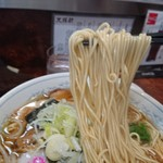 横浜大勝軒 - 細麺リフト