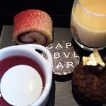 BVLGARI Il bar - ロールケーキ、チョコのシュークリーム、ゼリー、プリン、チョコ