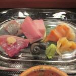 102881884 - 「刺身定食」(1,300円)