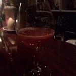 バー ノーツ - イチゴとシャンパンのカクテル! 苺のつぶつぶが美味しかったです。