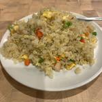 鴻元食坊 - チャーハン+ワンタンスープのサービス定食 864円