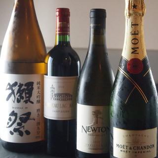 いと家の料理を引き立てる厳選されたワインと日本酒